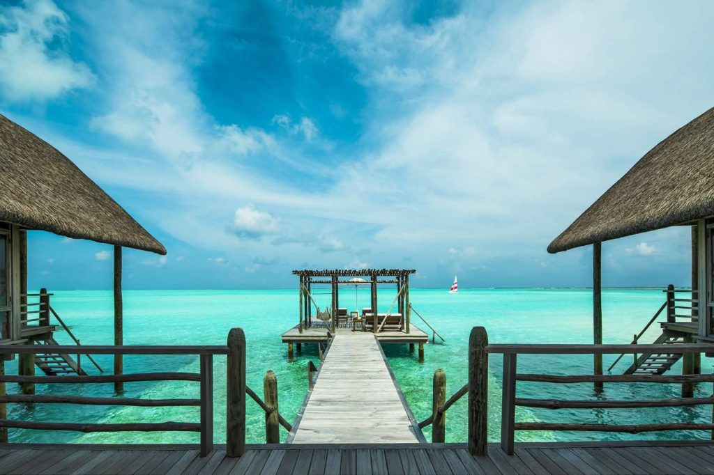 HHWT Maldives Resorts Cocoa island by COMO deck