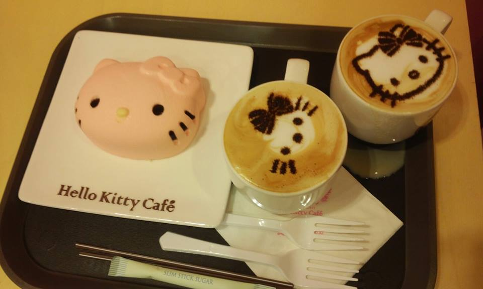 Hello Kitty Cafe Myeongdong Coffee Cake