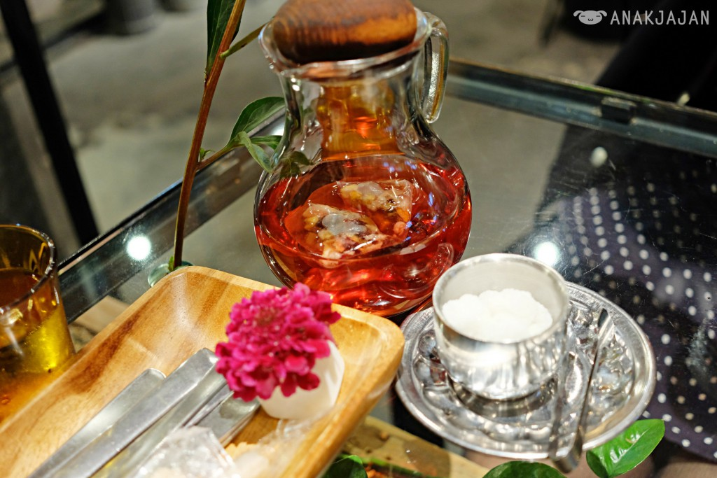 Rose Tea at Aoyama Flower Market Tea House