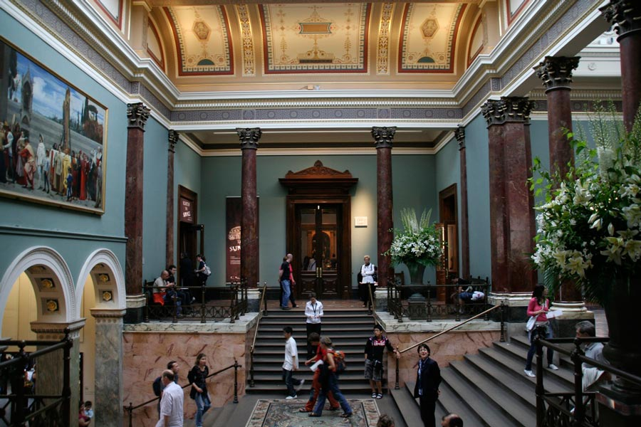 19-national-gallery-london-staircase hall
