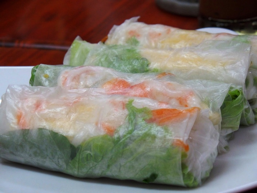 Fresh spring rolls make the perfect starters at The Daun