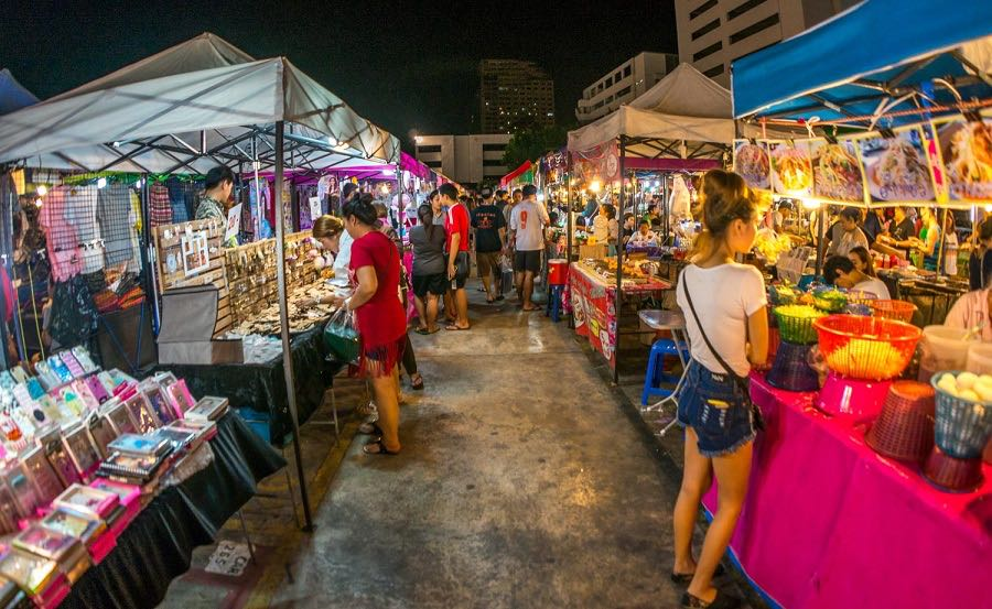 10 Best Street Markets In Bangkok You Can't Miss | Travel Guides For Muslim Travellers | Have ...
