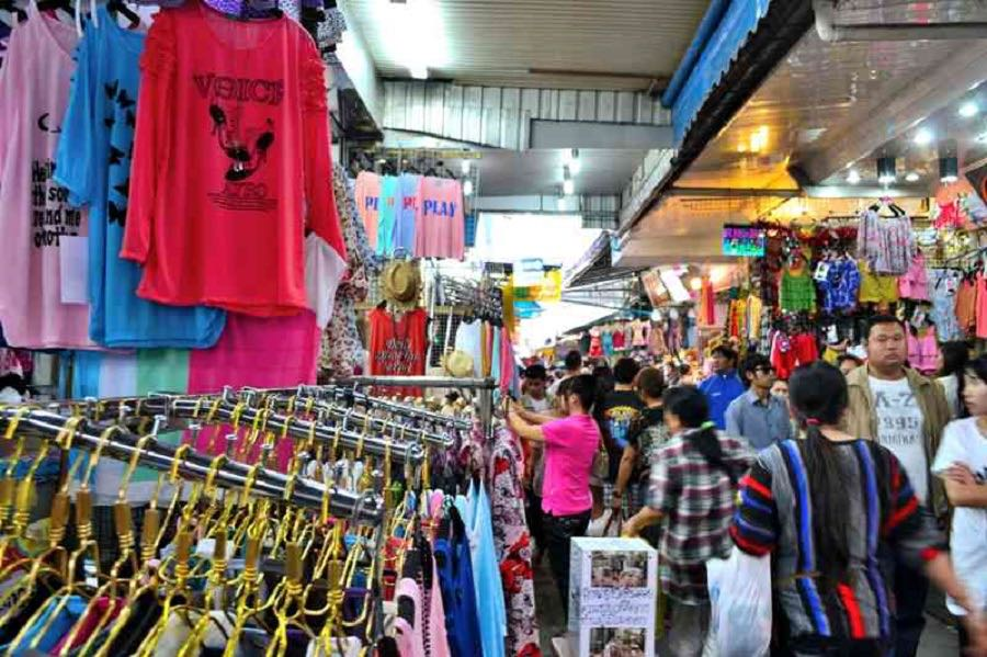 7 - Brave the chaos at Pratunam Market for wholesale clothes