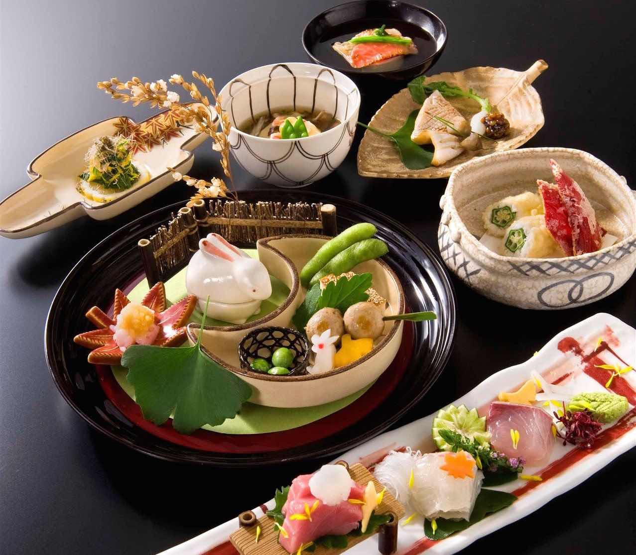 Muslim-friendly kaiseki dinner course