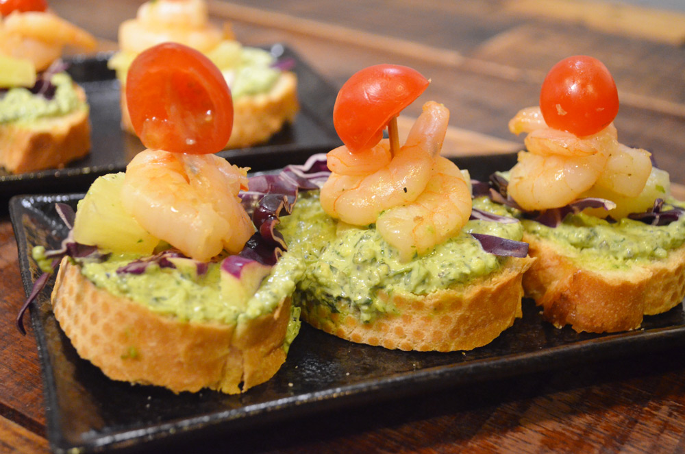 The-Lab-Cafe-Halal-Singapore-pesto-shrimp-pineapple-canapes-ramadan-menu-singapore