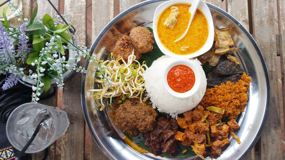 8 easy asian iftar recipes your family will love you for travel nasi ambeng halal muslim ramadan ramadhan recipes break forumfinder Gallery