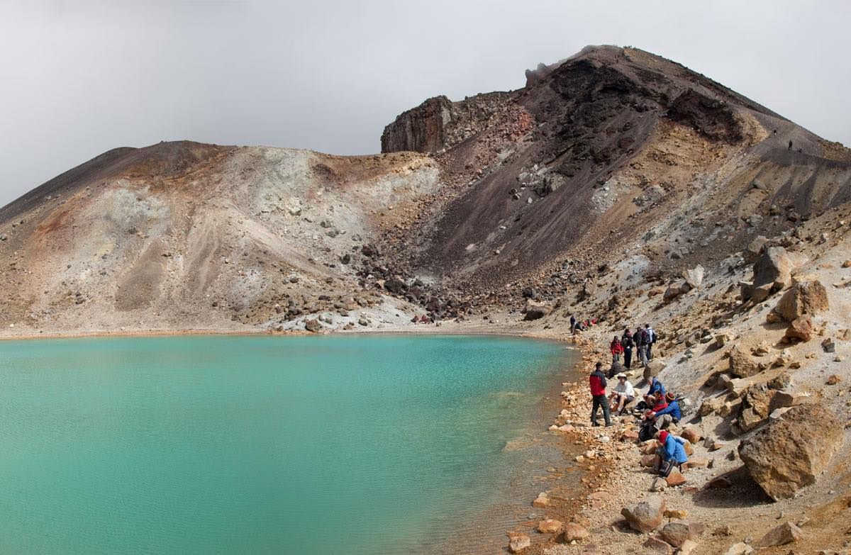 Tongariro Crossing: Emerald Lake