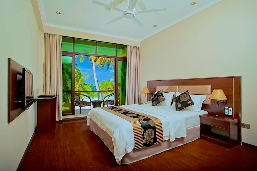 4-deluxe-sea-view-room-kaani-beach-hotel