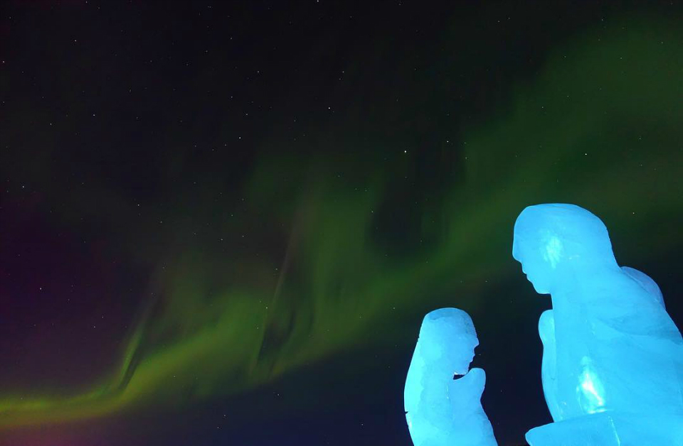 7-icehotel-lights