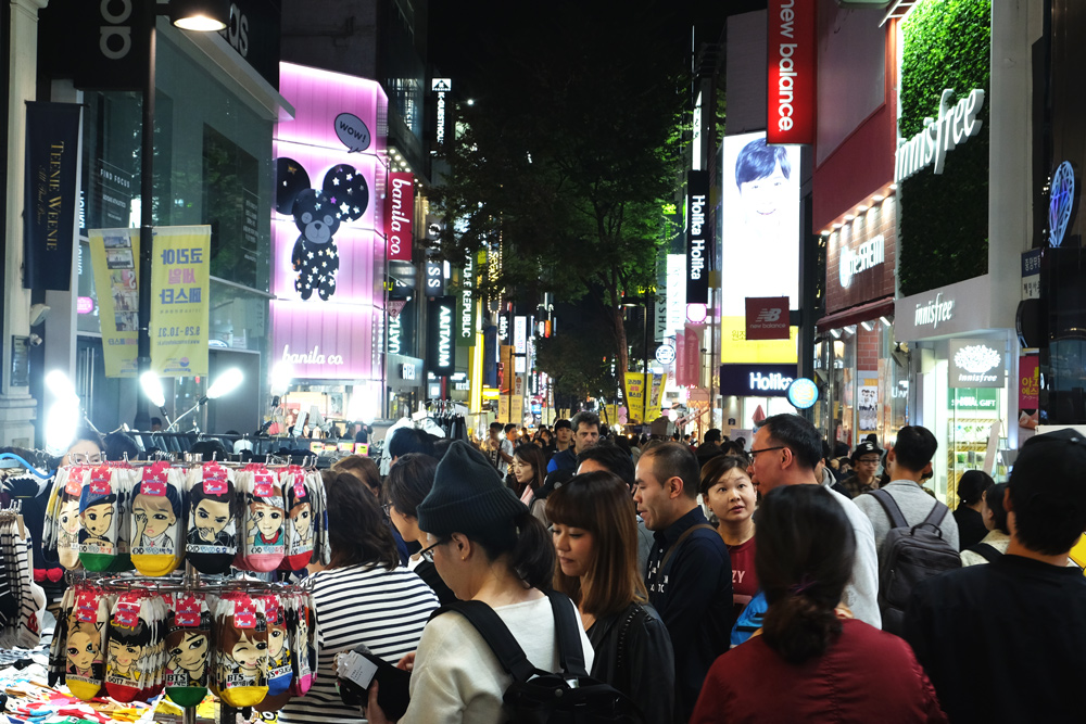 myeongdong-night-shopping