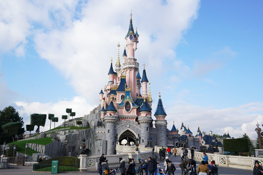 paris-disneyland-sleeping-beauty-castle