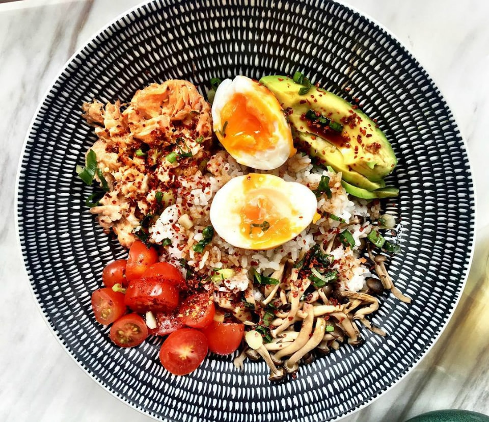 14-all-things-delicious-salmon-rice-bowl-min