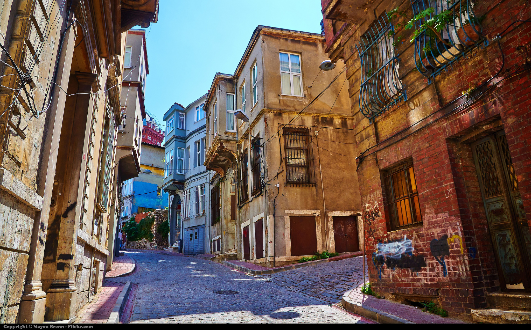 8-istanbul_street-view-of-fatih