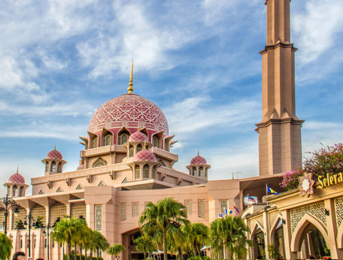 9 Beautiful Mosques In KL You Have To Visit - Especially During Ramadan