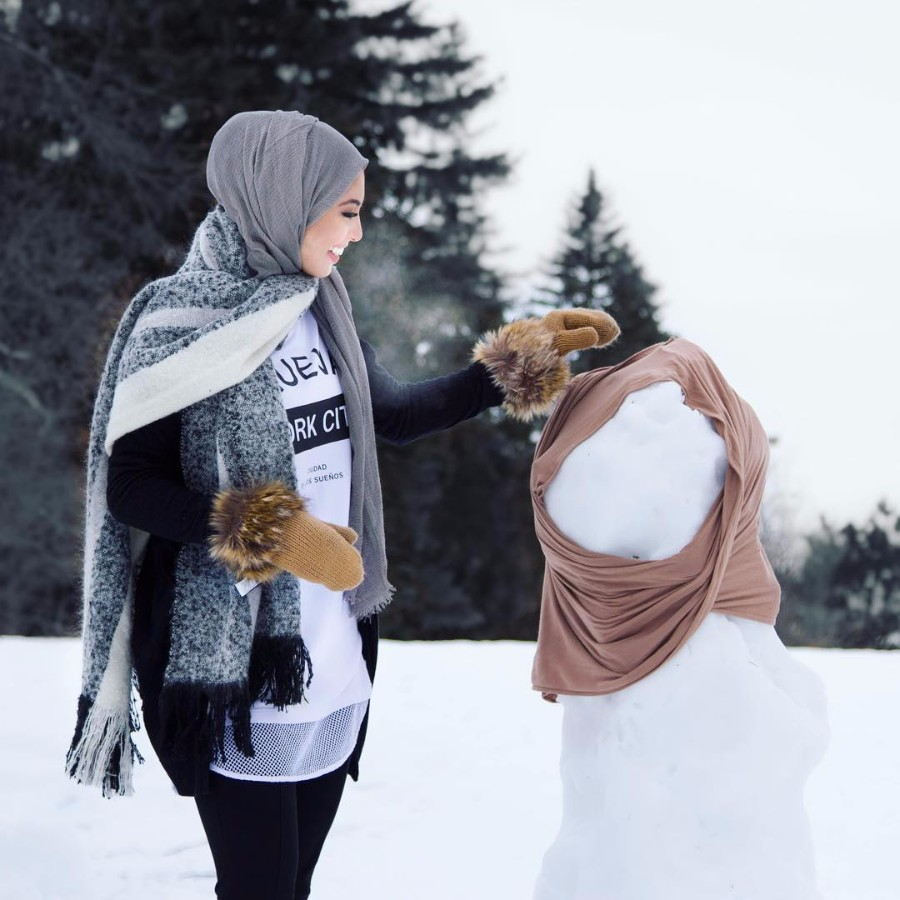 10 Tips To Help You Survive Your First Winter Travel Guides For Thermal Legging Tebal Save